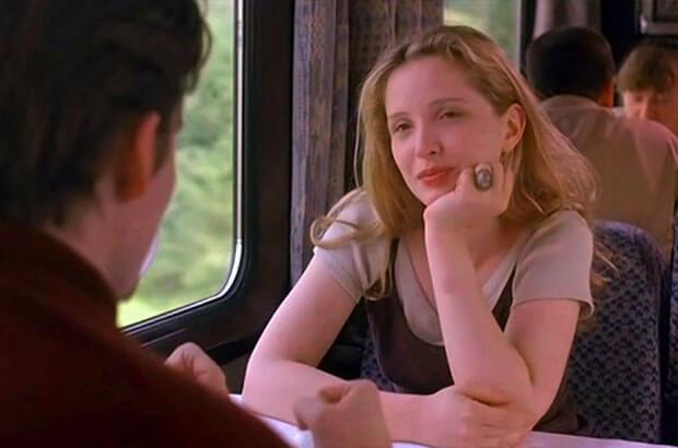 Переодеваются в поезде автобусе прямо при